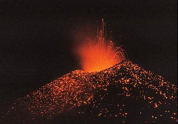 strombolianische Eruption des Pacaya