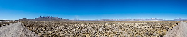 Paisaje en Reserva Nacional Salinas, Arequipa, Perú, 2015-08-02, DD 51-56 PAN.JPG