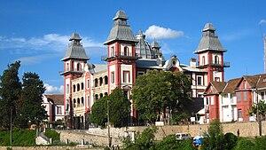 Rainilaiarivony - Rainilaiarivony ordered the 1873 construction of Andafiavaratra Palace near the Queen's palace in Antananarivo.