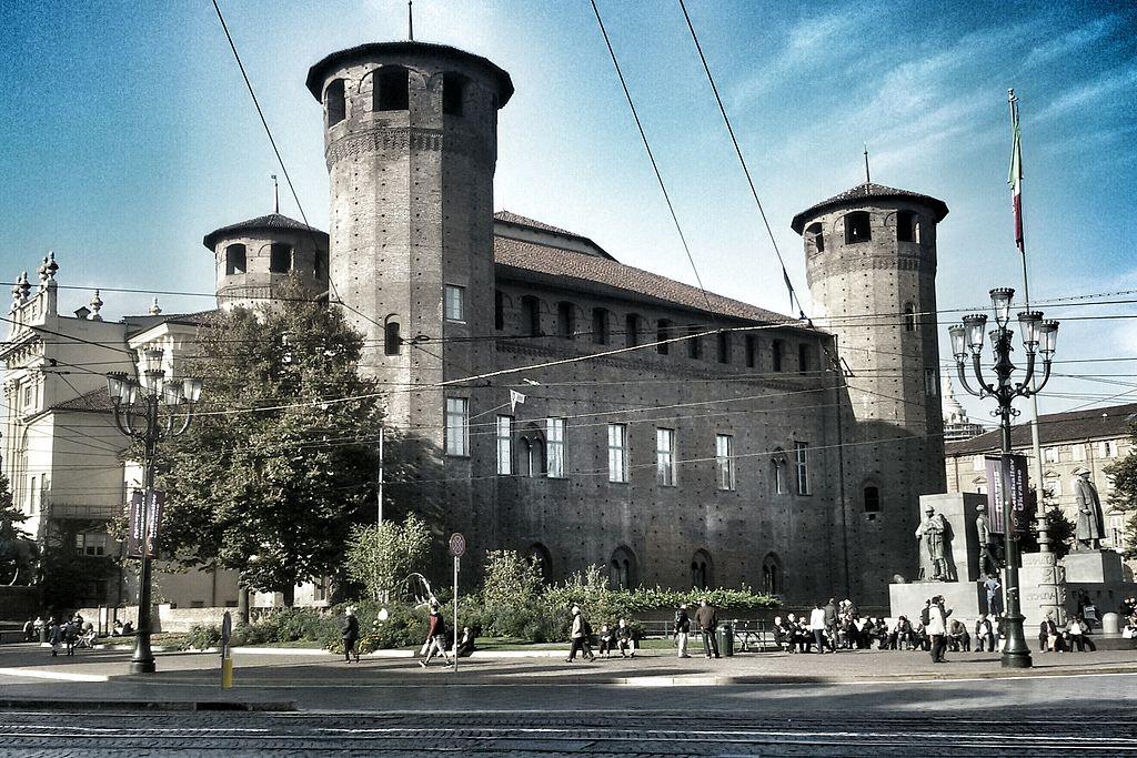 Façade médiévale du Palazzo Madama de Turin - Photo de Noskerzo