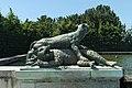 Parc de Versailles, Fontaine du Point du Jour, Tigre terrassant un ours, Jacques Houzeau, 1687 01.jpg