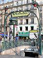 Paris 18 - Edicule Guimard - Place de Clichy.JPG