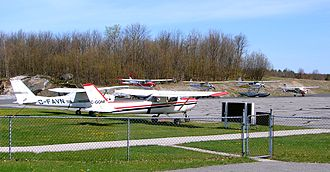 Parry Sound Area Municipal Airport - Image: Parry Sound Airport 2