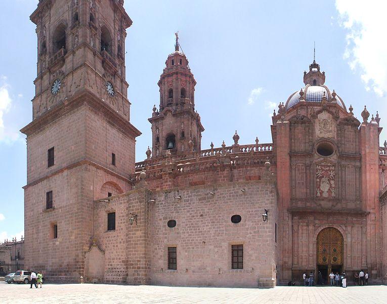 File:Parte posterior de Catedral de Morelia.jpg
