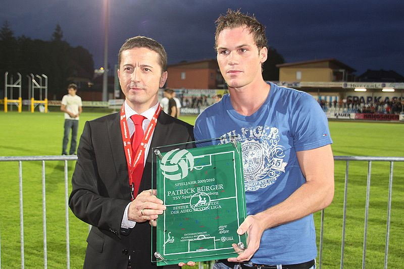 Datei:Patrick Bürger (TSV Hartberg) bester Torschütze der Ersten Liga 2009-10.jpg