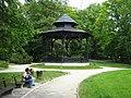 Paviljon u parku - panoramio.jpg