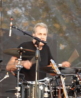 Pete Thomas (drummer) British musician