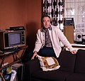 Peter Sellers at home Allan Warren.jpg