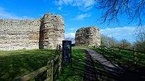 Pevensey Castle (30) (40269032085).jpg