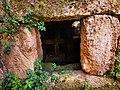 PikiWiki Israel 76534 burial cave.jpg