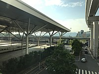 Platform of Shenzhen North Station from footbridge.jpg