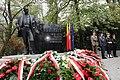 Pomnik Wojciecha Korfantego w Warszawie.jpg
