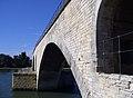 Pont St-Bénezet dessous.jpg