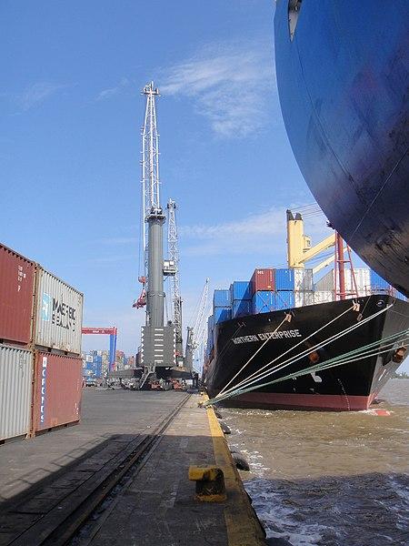 File:Port Apapa Lagos Nigeria.jpg