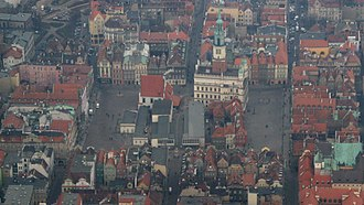 Poznań Old Town - Bird's-eye view of the square, from the south