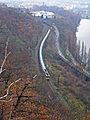 Praha, Bílá skála, vlak jedoucí do tunela.jpg