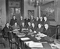 Presentatie van Kabinet-Drees II in Den Haag. Voorste rij v.l.n.r. Stikker (Bui…, Bestanddeelnr 904-4729.jpg