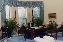 President Bush meeting with Dick Cheney, Colin Powell, Brent Scowcroft, John H. Sununu and Robert Gates at the C&O desk.