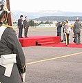 Presidente boliviano, Evo Morales visita a Gobierno Nacional. Canciller Patiño recibe en base aérea (5078805269).jpg