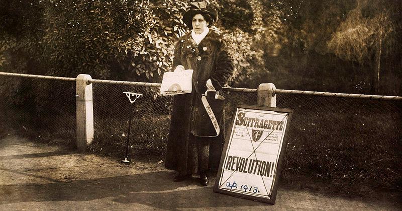 File:Princess Sophia Duleep Singh selling Sufragette subscriptions in 1913.jpg
