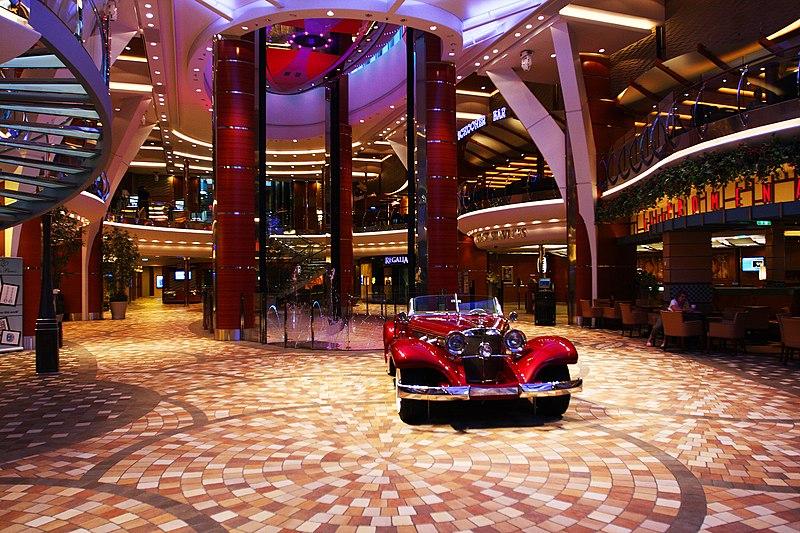 File promenade on the allure od the seas 7710182244 jpg for Allure of the seas interior