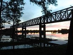 Puente ferroviario sobre el Río Yi, inaugurado en 1915 para sustituir uno anterior construido en 1879.