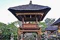 Pura Desa temple (17032630536).jpg