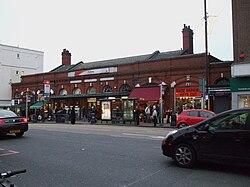 Putney station building.JPG