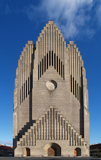 Grundtvig's Church in Copenhagen. An example of expressionist architecture. Pv jensen-klint 05 grundtvig memorial church 1913-1940.jpg