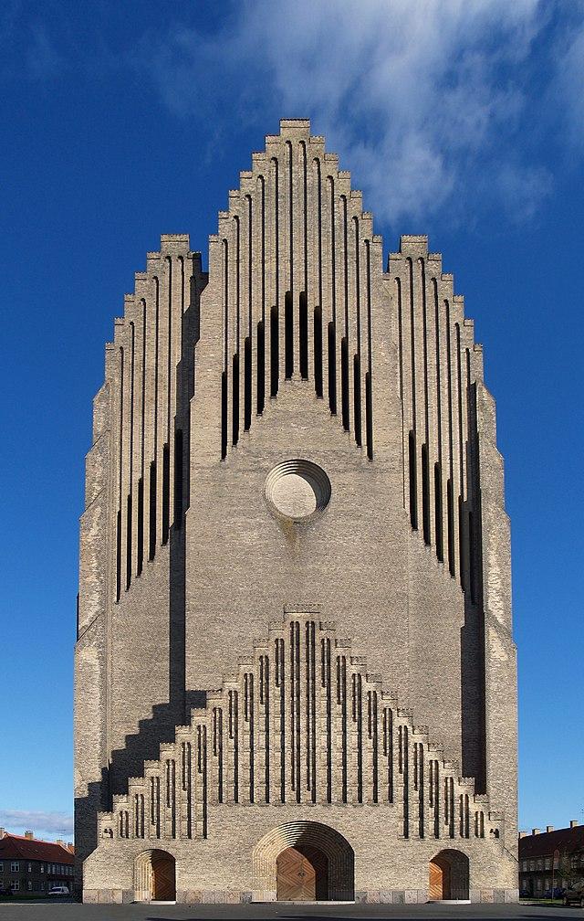 Danska 640px-Pv_jensen-klint_05_grundtvig_memorial_church_1913-1940