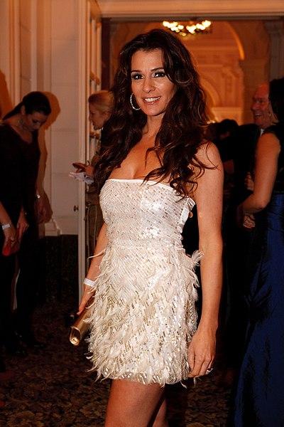 File:Quinty Trustfull bij Beau Monde Awards 2010 (2).jpg ...