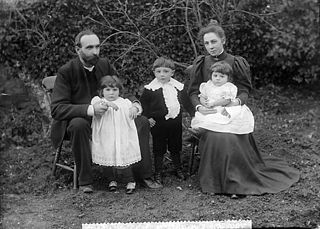 Revd J B Thomas and Mrs Thomas and family, St Clears