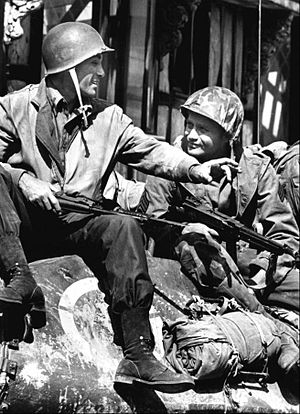 Combat! (TV series) - Rick Jason (left) and Vic Morrow in a first-season episode