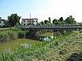 Road bridge over Collettore Padano (Chiaviche Ronchegalli).jpg