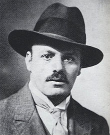 Description de l'image Robert Antoine Pinchon, photograph of the artist, circa 1925.jpg.