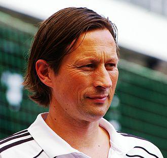 Roger Schmidt (football manager) - Schmidt at Salzburg in 2012