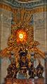 Rom - San Pietro Berninis Baldacchino (7516845640).jpg