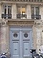 Rue d'Hauteville 23 porte.jpg