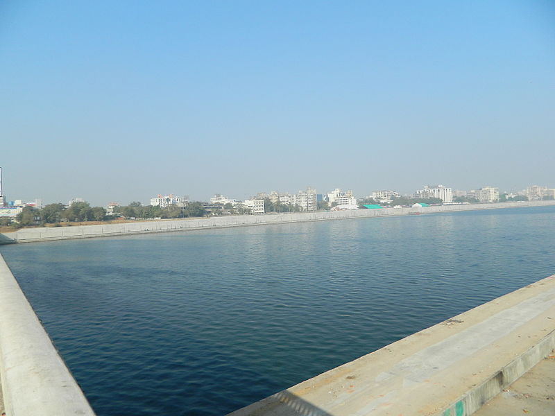 File:Sabarmati RiverFront.JPG