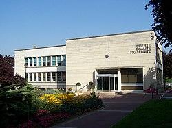 Saint-Cyr-l'École Mairie.JPG