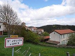 Saint-Julien-d'Ance - Vue générale.jpg