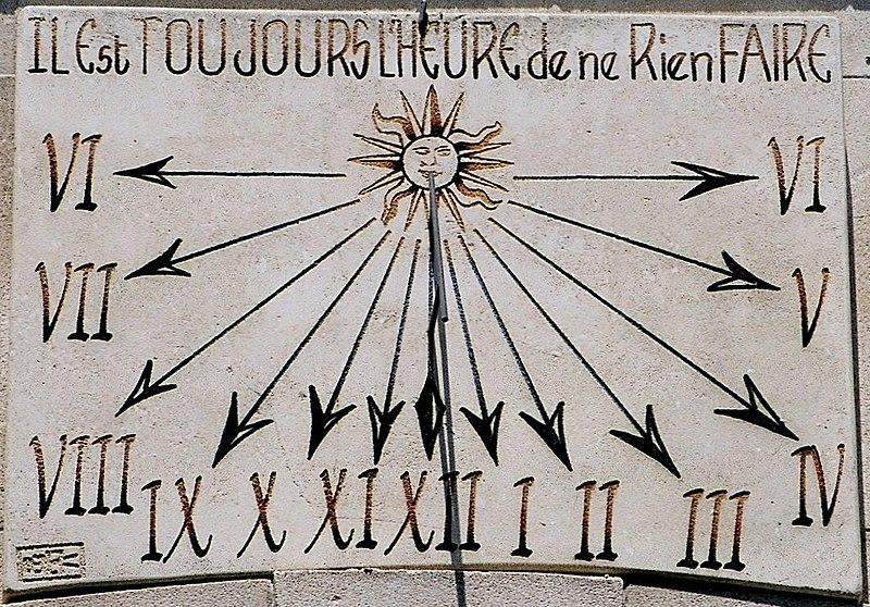Saint-remy-de-provence-cadran-solaire