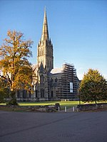 Salisbury - Cathedral - geograph.org.uk - 1030807.jpg