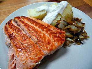 Español: salmón a la plancha.