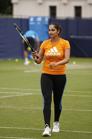 Sania Mirza - Mirza practicing at the 2014 Aegon International