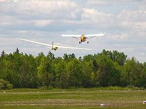 American Champion Citabria - A Champion 7GCAA Citabria towing a Schweizer SGS 1-34 sailplane