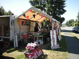 Wedgwood, Seattle - The Fruit Lady, a seasonal business in Wedgwood (2008)