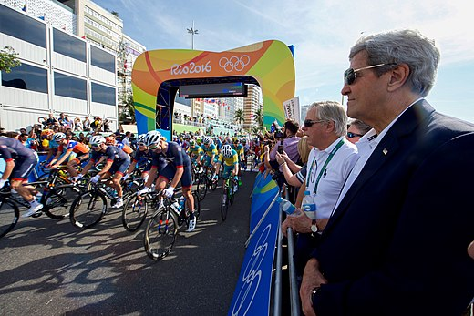 Secretary Kerry Watches the Start of the Men's Cycling Race at the 2016 Summer Olympics (28803985505).jpg