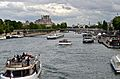Seine river traffic, Paris 24 May 2014.jpg