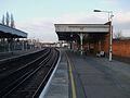 Selhurst station slow platforms look north2.JPG